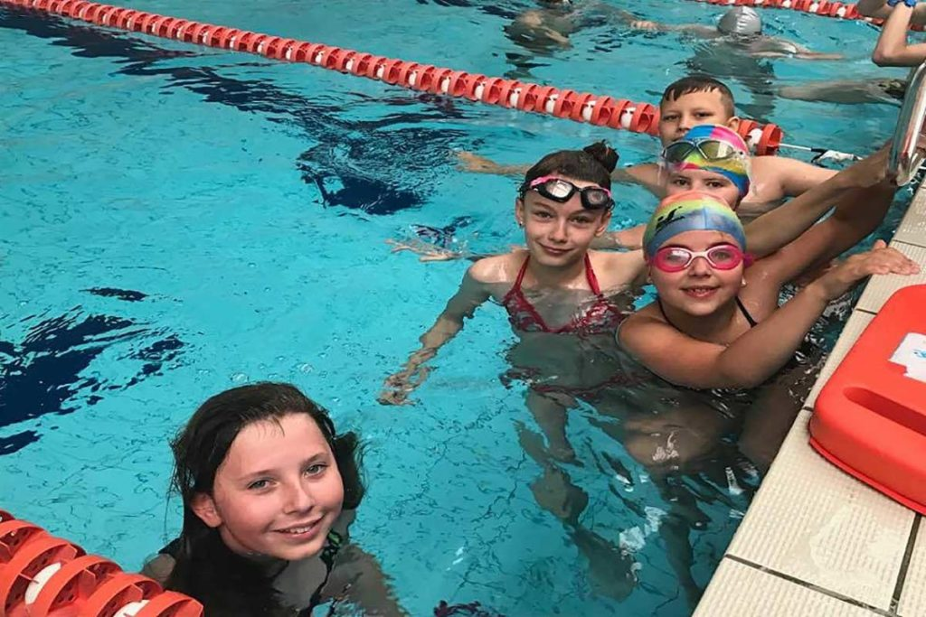 Kołobrzeg - dzieci w basenie